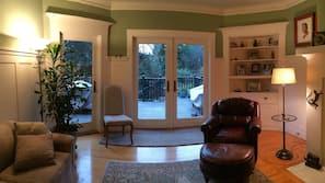 TV, fireplace, DVD player, toys