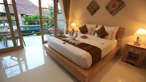 Egyptian cotton sheets, premium bedding, minibar, blackout drapes