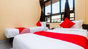 Premium bedding, down duvet, Select Comfort beds, in-room safe