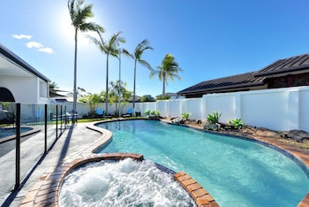 Booking Gold Coast Holiday Packages with Webjet