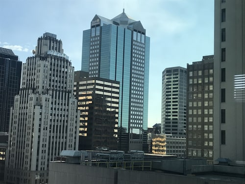 Highrise Haven in Downtown Kansas City