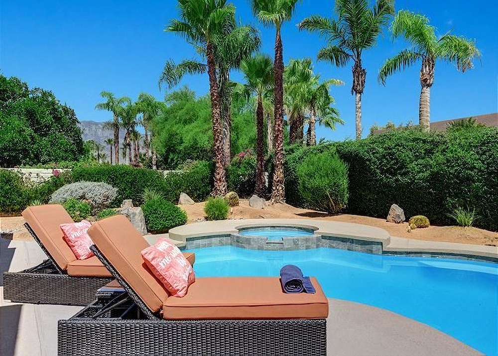 Relax in Rancho Mirage 4BD Private Pool & Spa With Beautiful