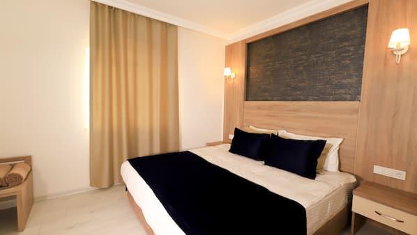 Zimmersafe, Schreibtisch, schallisolierte Zimmer, Bettwäsche
