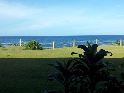 Oceanfront Condo, Tranquil Beach With Amazing Sunsets, 24 Hour Security