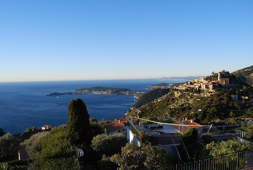 Stunning Penthouse With Panoramic Views of Eze & Cap Ferrat
