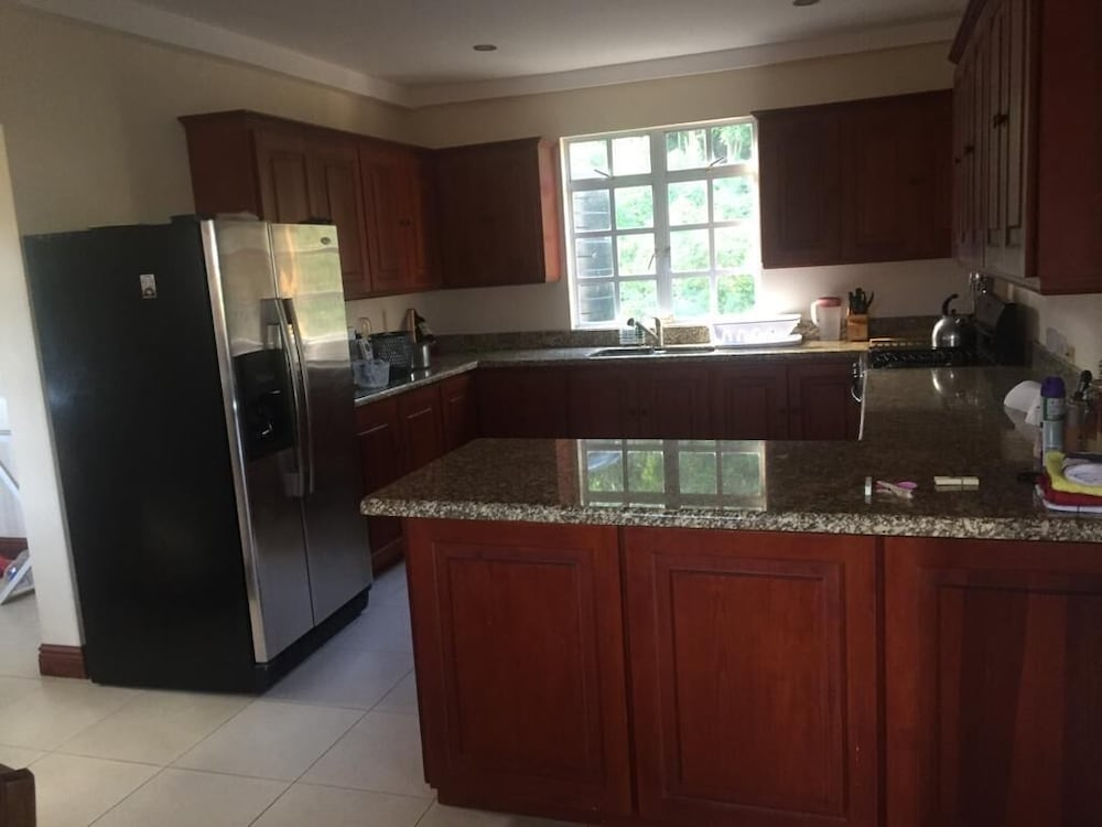 Private Kitchen, Amazingl House Next to Beach and Golf Course.