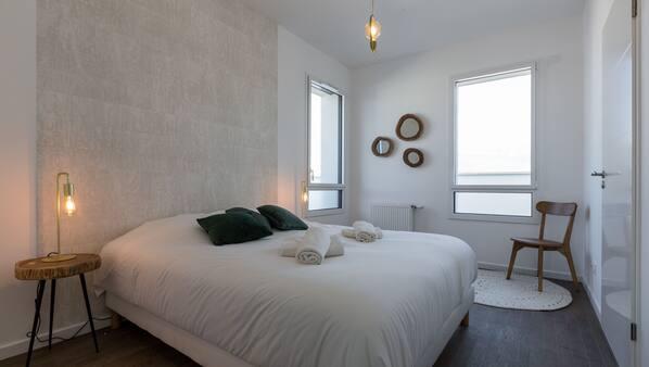 4 chambres, fer et planche à repasser, Wi-Fi gratuit, draps fournis