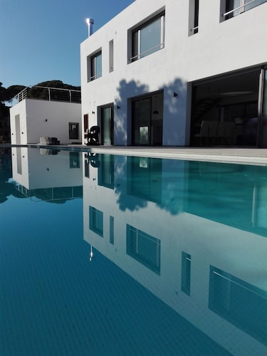Modern Villa 12 People With Swimming Pool and 250m From the Beach