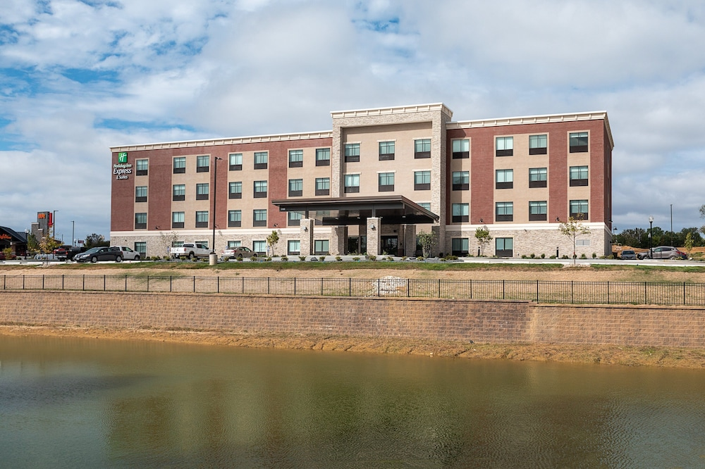Featured Image, Holiday Inn Express & Suites Wentzville St Louis West
