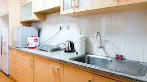 냉장고, 스토브, 조리 도구/접시/주방 기구