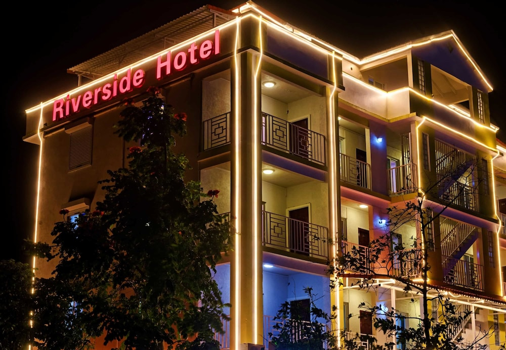 Featured Image, Riverside Hotel