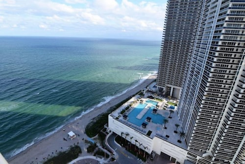 Oceanfront Bay View 2 Bed 2 Bath Hyde Beach Resort In