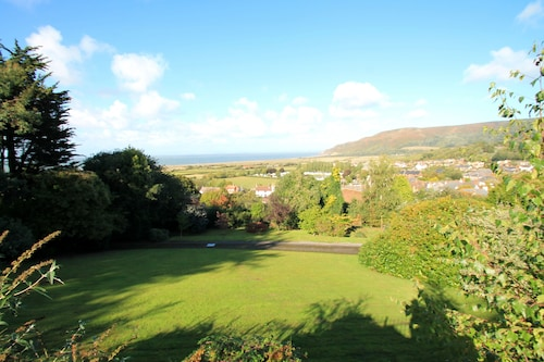 Redway Lodge in Porlock - Sleeps up to 12 - Exmoor National Park