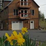 Best Fall Rates At Alltitude's Mt. Hood View Chalet