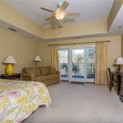 Walk or Bike to Pier and Village From Salt Air Villas! Community Pool and Private Balcony