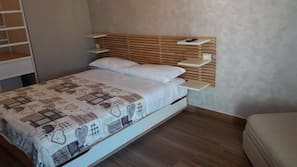 Premium bedding, down duvet, minibar, desk
