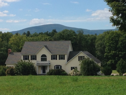 Beautiful,berkshire, Home Close to All Summer Attractions &skiing