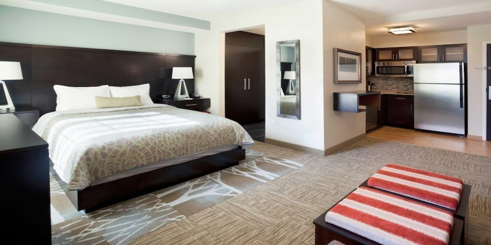 Room, Staybridge Suites