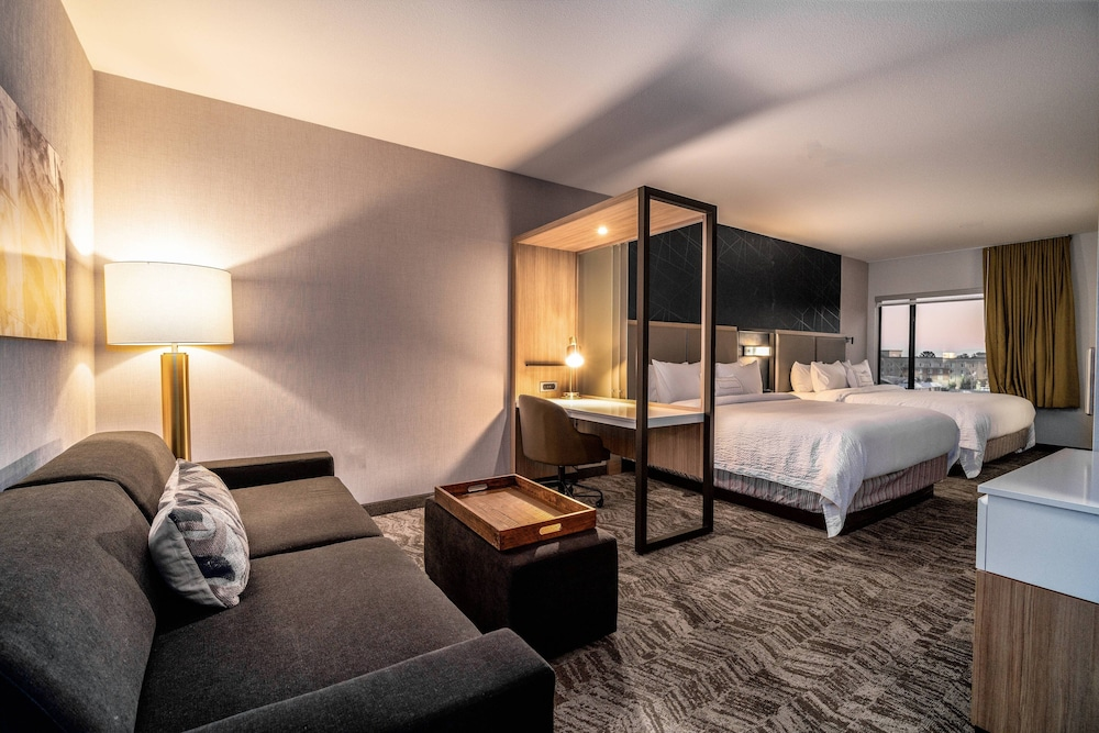 Room, SpringHill Suites by Marriott Oakland Airport