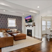 Smart Home in Best Location, <8min of all Stadiums, Downtown Mpls & St. Paul!