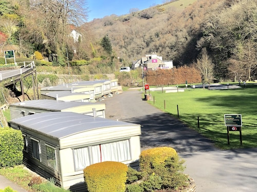 Two Bed Static Caravan. Beautiful 10 min Walk to Centre of Lynton