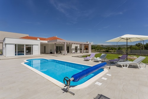 Luxury Villa Stella near Split