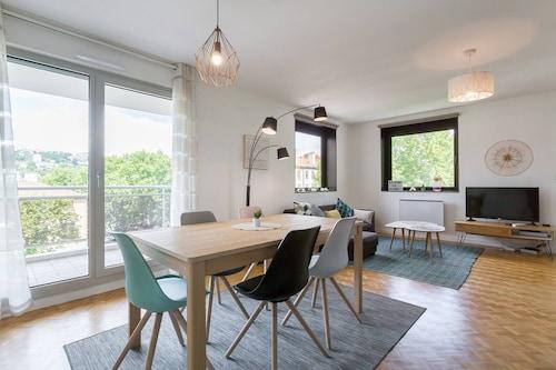 Chonas L Amballan Vacation Apartments 37 Short Term