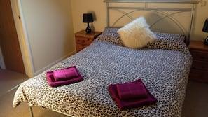 3 多间卧室、熨斗/熨衣板、WiFi、床单