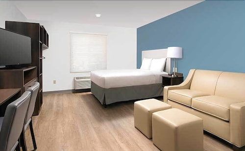 WoodSpring Suites Miramar