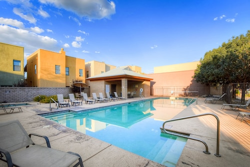 Comfortable Home in Tucson - Near Town w/ a Fireplace, Shared Pool, & hot tub
