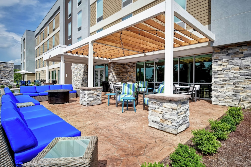 Terrace/Patio, Home2 Suites by Hilton Georgetown