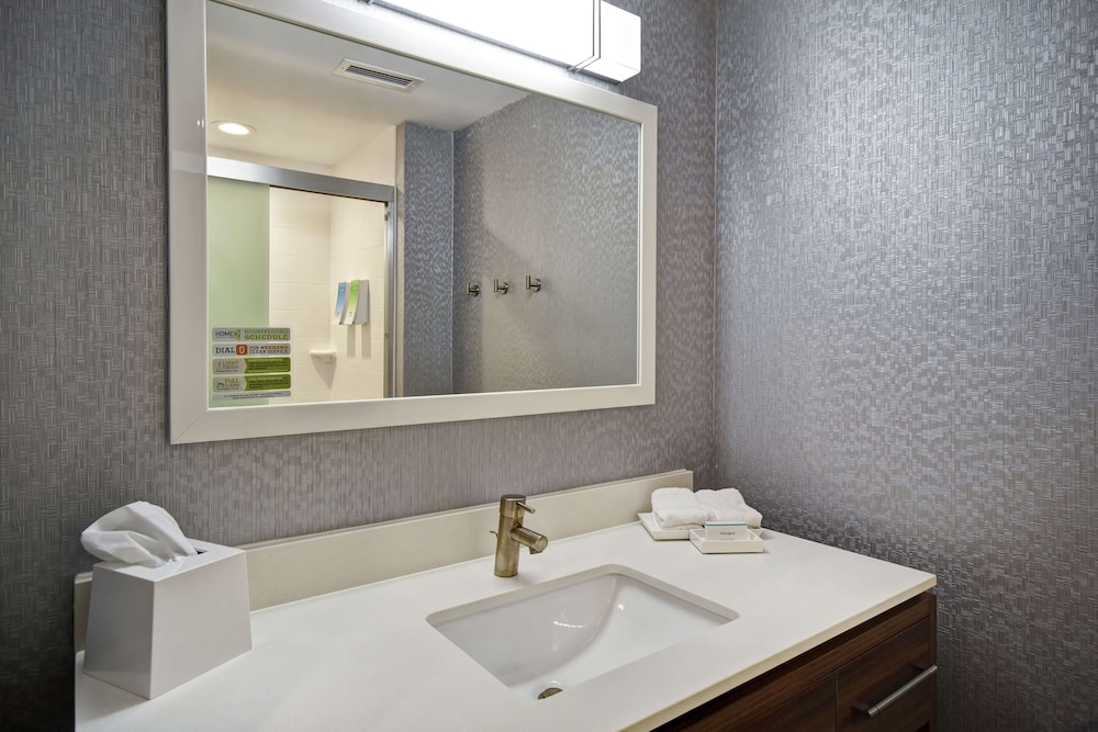 Bathroom, Home2 Suites by Hilton Georgetown