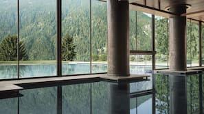 3 piscine coperte, piscina all'aperto, lettini