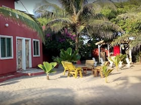 DREAMLAND BEACH RESORT - HOSTEL
