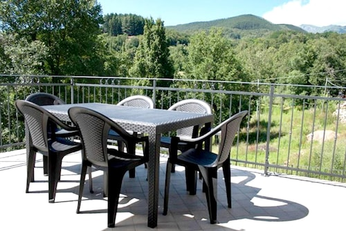 Apartment With one Bedroom in Orturano, With Wonderful Mountain View, Enclosed Garden and Wifi - 25 km From the Slopes