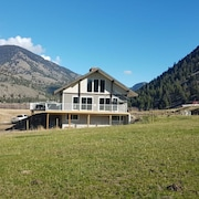 5 Bedroom House With Hot Tub on 300 Acres - Natural Beauty/ Wildlife