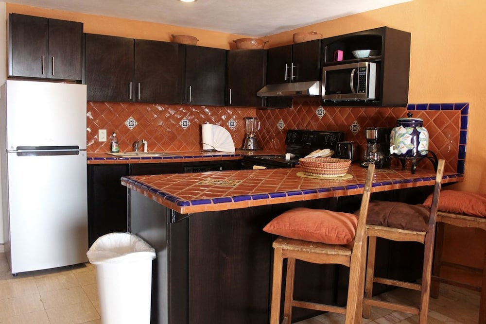 Private Kitchen, Marina Pinacate 1BR 411-v by Casago