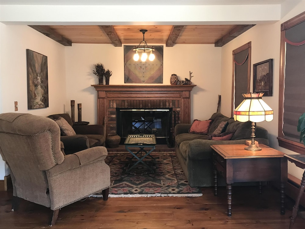 NEW Listing! Beautiful 4BR Home IN THE Village OF Bolton