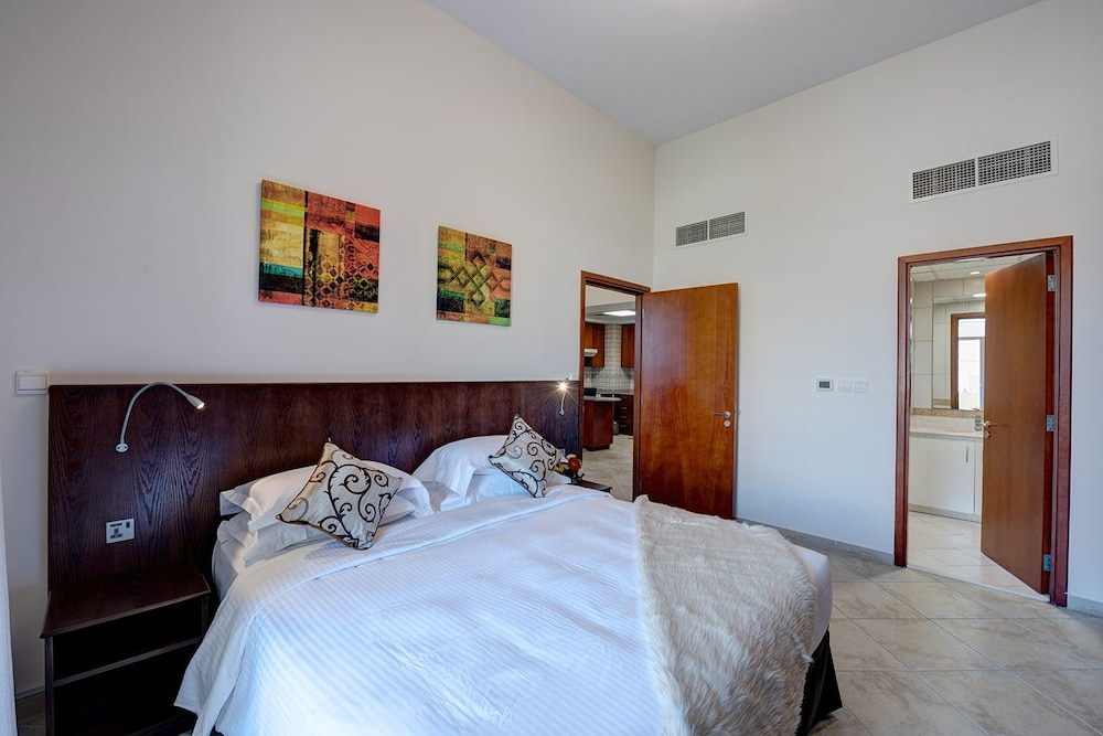 J5 One Bedroom Uptown Motorcity in Dubai   Cheap Hotel Deals