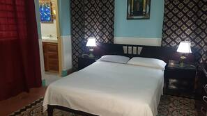 1 Schlafzimmer, Minibar, Zimmersafe, individuell dekoriert