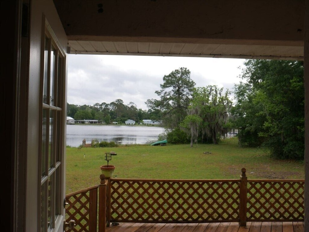 Balcony, Interlachen Lake House