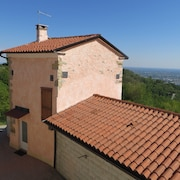 Beewell Italy Tower Tourist Rental