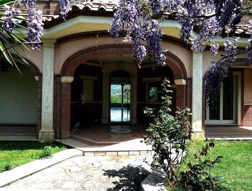 Elegant, Well Connected With Private Pool. With Views Over Tivoli Villa Adriana