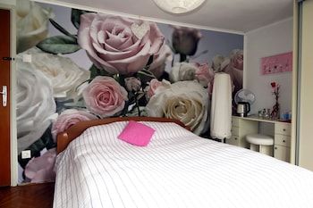 Holiday Rooms & Apartments - Rosy Garden