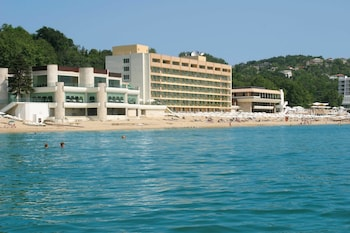 Marina Hotel-All Inclusive in Sunny Day Resort