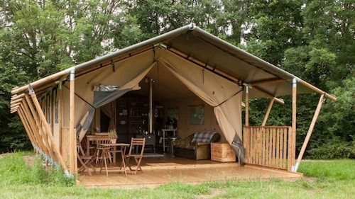 Glamping Tent Farm-stay on the Edge of the New Forrest, Gambledown Farm