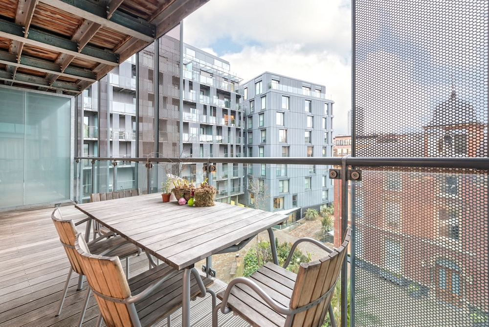 Citadel Apartments Cannon Court in London | Hotel Rates & Reviews on