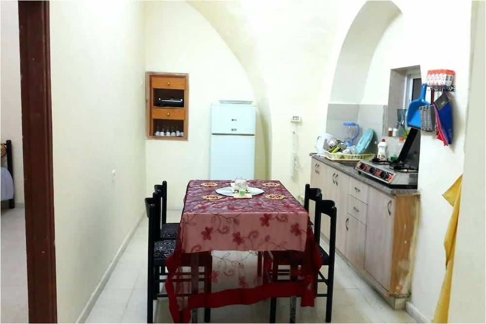 Private Kitchen, 2 minutes Walk from The center