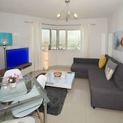 Signature Holiday Homes - Dubai Gate 1