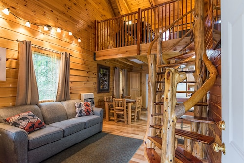 Hillside Haven Cabin